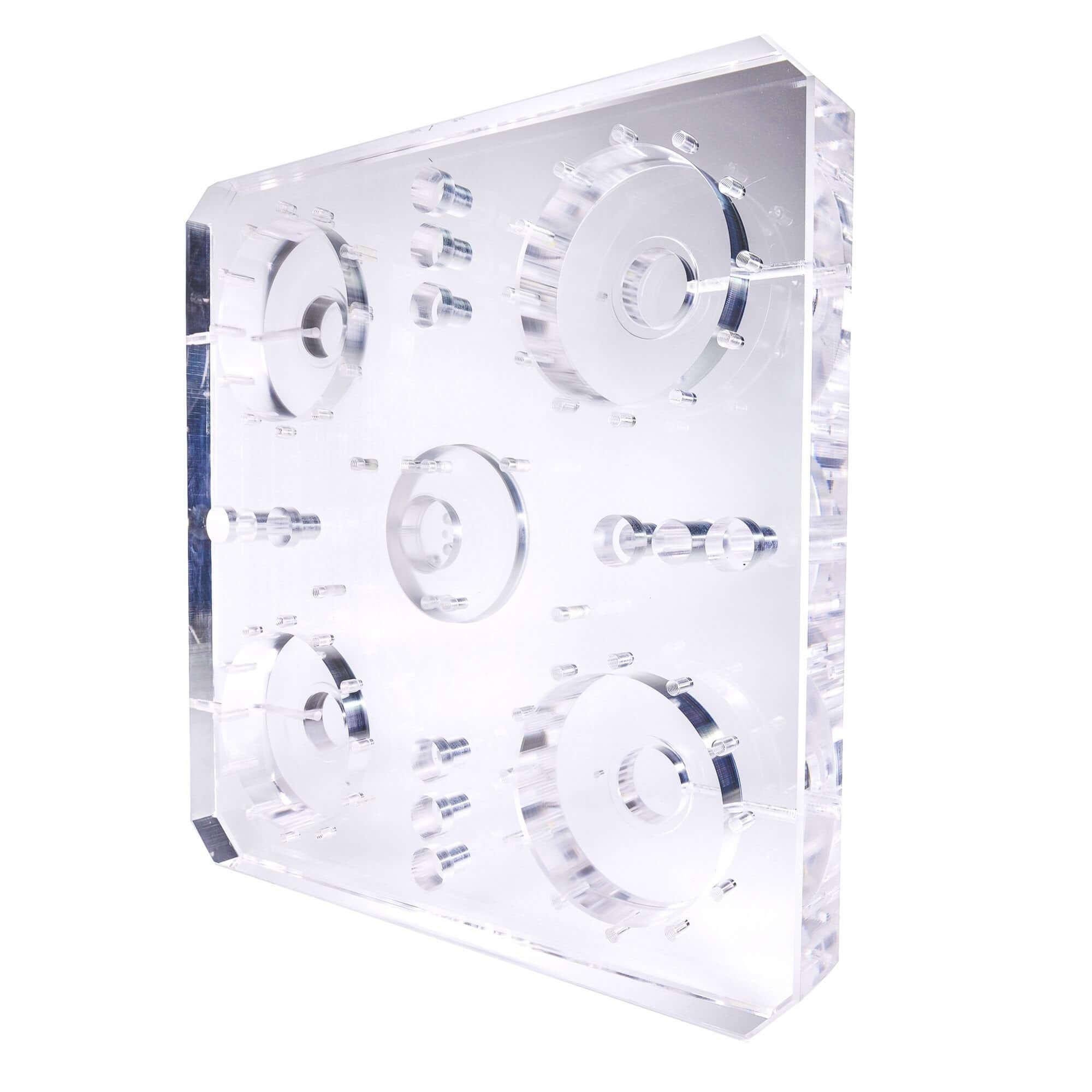 Plaque de base acryline en verre acrylique avec des alésages profonds pièces techniques forées profondément percés accessoires moulus de base partie acrylic production